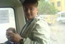 Малыш в автобусе перед игрой